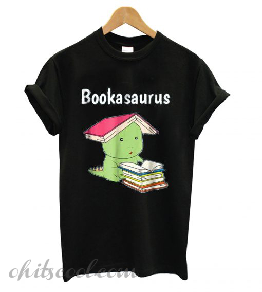 Bookasaurus Funny T-Rex Reading Dinosaur Book Pun Runway Trend T shirt